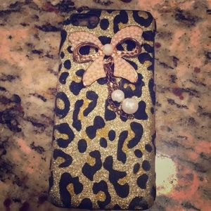 iPhone 5c cheetah print with bow on the back case
